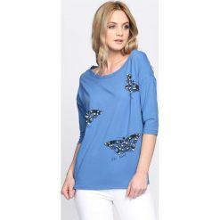 Niebieska Bluzka Be Kind. Szare bluzki nietoperze marki TOMMY HILFIGER, m, z nadrukiem, z bawełny, casualowe, z okrągłym kołnierzem. Za 39,99 zł.