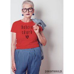 Babcia skarb dopasowana koszulka. Czerwone bralety marki Pakamera, m, z nadrukiem, z bawełny. Za 85,00 zł.