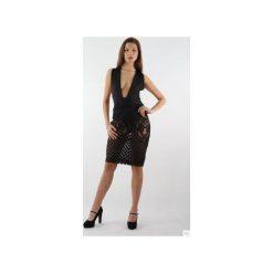 Sukienka czarna z koronką Nicole. Czarne sukienki koronkowe marki Kelly couronne, l, w koronkowe wzory, z dekoltem na plecach. Za 179,10 zł.