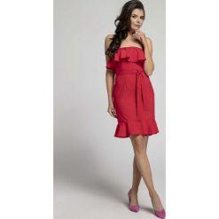 Czerwona Koktajlowa Sukienka Typu Hiszpanka z Paskiem. Szare sukienki balowe marki Molly.pl, l, w koronkowe wzory, z koronki, z dekoltem typu hiszpanka, z krótkim rękawem, midi, dopasowane. W wyprzedaży za 92,91 zł.
