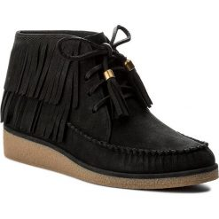 Botki UGG - W Caleb 1018944 W/Blk. Czarne buty zimowe damskie Ugg, z nubiku. W wyprzedaży za 519,00 zł.