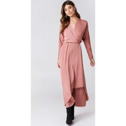 Sukienki: Filippa K Drapowana sukienka kopertowa – Pink