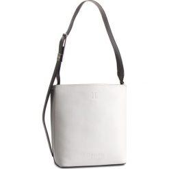Torebka CALVIN KLEIN - Strapped Bucket Cb K60K604934 908. Białe torebki klasyczne damskie Calvin Klein, ze skóry ekologicznej. Za 849,00 zł.