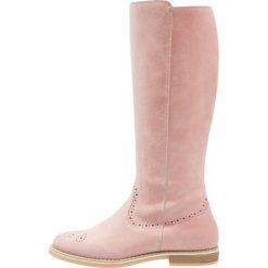 Pier One Kozaki pink. Czerwone buty zimowe damskie marki Pier One, z materiału. W wyprzedaży za 209,50 zł.