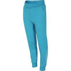 Dziecięce spodnie dresowe 4F. Niebieskie spodnie chłopięce Astratex, z bawełny. Za 58,16 zł.