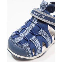 Geox SANDAL AGASIM BOY Sandały trekkingowe navy/grey. Niebieskie sandały chłopięce Geox, z materiału. Za 219,00 zł.