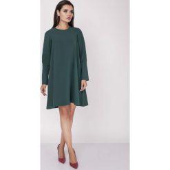 Sukienki: Zielona Wizytowa Sukienka Trapezowa z Guzikami na Rękawach