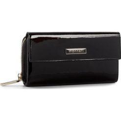 Duży Portfel Damski MONNARI - PUR1021-020 Black. Czarne portfele damskie Monnari, z lakierowanej skóry. W wyprzedaży za 149,00 zł.