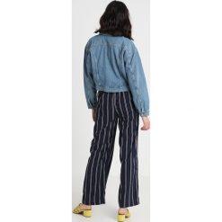 Bomberki damskie: American Vintage Kurtka jeansowa mid blue