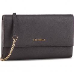 Torebka COCCINELLE - CW5 Metallic Soft E2 CW5 11 07 01 Fume Y28. Szare torebki klasyczne damskie marki Coccinelle, ze skóry. Za 749,90 zł.