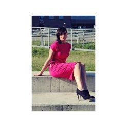 Sukienka sportowa z kieszeniami róż. Czerwone sukienki letnie marki Szarymary, xxs, z bawełny, sportowe, ołówkowe. Za 119,00 zł.