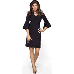 Czarna Sukienka z Rozszerzanym Rękawem. Czerwone sukienki na komunię marki Molly.pl, l, z jeansu, biznesowe, z dekoltem na plecach, z długim rękawem. Za 208,90 zł.