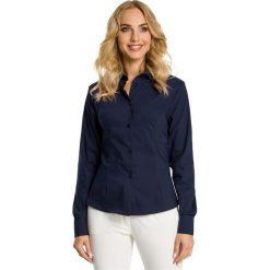 DOMINIQUE Tradycyjna koszula z ozdobną tasiemką - granatowa. Niebieskie koszule damskie Moe, biznesowe. Za 119,00 zł.