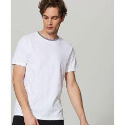 T-shirt z dzianiny strukturalnej - Biały. Niebieskie t-shirty męskie marki Reserved. Za 59,99 zł.
