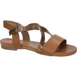 Camelowe lekkie sandały płaskie z paskiem na krzyż Casu K18X6/C. Brązowe sandały damskie Casu, na płaskiej podeszwie. Za 39,99 zł.