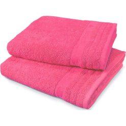 Kąpielówki męskie: Ręcznik w kolorze fuksji
