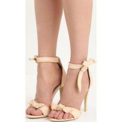 Beżowe Sandały Mercy. Białe sandały damskie marki Reserved, na wysokim obcasie. Za 69,99 zł.