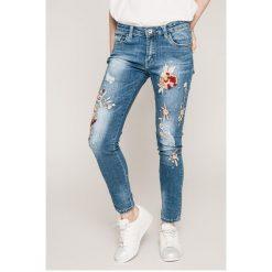 Haily's - Jeansy Pia. Niebieskie jeansy damskie rurki Haily's, z haftami, z bawełny. W wyprzedaży za 129,90 zł.
