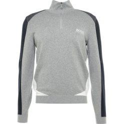 BOSS ATHLEISURE ZELCHIOR PRO Sweter grey melange. Niebieskie swetry klasyczne męskie marki BOSS Athleisure, m. Za 839,00 zł.