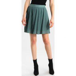 Spódniczki plisowane damskie: Circle of Trust RAMLI SKIRT Spódnica trapezowa new army