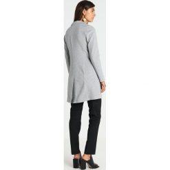 Opus HALINI SPECIAL Krótki płaszcz pure grey melange. Szare płaszcze damskie Opus, z bawełny. Za 419,00 zł.