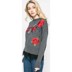 Desigual - Sweter Rosalia. Szare swetry klasyczne damskie Desigual, m, z bawełny, z okrągłym kołnierzem. W wyprzedaży za 219,90 zł.