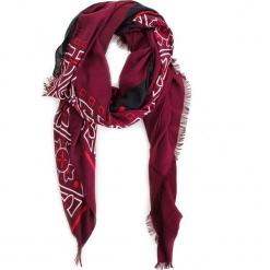 Chusta CALVIN KLEIN - Bandama Scarf K60K604909 242. Czerwone chusty damskie Calvin Klein, z materiału. Za 229,00 zł.