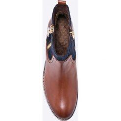 Caprice - Botki. Brązowe botki damskie na obcasie Caprice, z gumy, z okrągłym noskiem. W wyprzedaży za 249,90 zł.