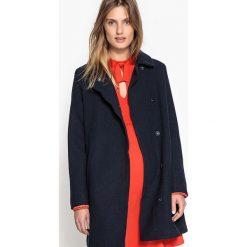 Płaszcze damskie pastelowe: Prosty płaszcz