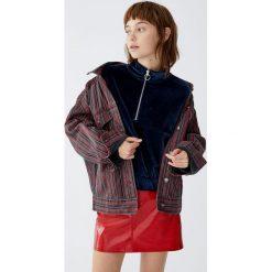 Aksamitna bluza z suwakiem. Zielone bluzy damskie Pull&Bear. Za 99,90 zł.