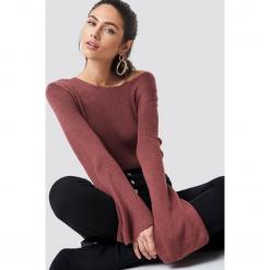 Rut&Circle Sweter z dekoltem na plecach Vanessa - Pink. Szare swetry klasyczne damskie marki Vila, l, z dzianiny, z okrągłym kołnierzem. Za 80,95 zł.