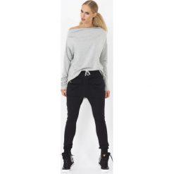 Spodnie dresowe damskie: Czarne Spodnie baggy z dużymi kieszeniami