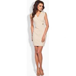 KLAUDIA Taliowana sukienka ze złotym guziczkiem beżowa. Brązowe sukienki balowe marki Lemoniade. Za 99,00 zł.