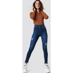 NA-KD Skinny Twisted Jeans - Blue. Szare jeansy damskie marki NA-KD, z bawełny, z podwyższonym stanem. Za 141,95 zł.