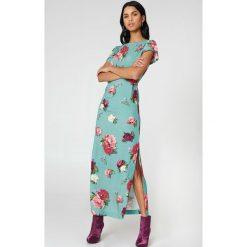 NA-KD Boho Sukienka maxi typu kaftan we wzory - Green,Multicolor. Niebieskie długie sukienki marki NA-KD Boho, na imprezę, w koronkowe wzory, z koronki, boho, na ramiączkach. W wyprzedaży za 40,19 zł.
