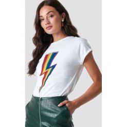 Rut&Circle T-shirt Rainbow Flash - White. Zielone t-shirty damskie marki Rut&Circle, z dzianiny, z okrągłym kołnierzem. Za 104,95 zł.