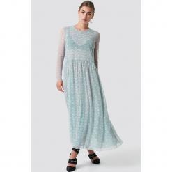 Samsoe & Samsoe Sukienka Milena - Blue. Niebieskie długie sukienki marki Samsøe & Samsøe, z okrągłym kołnierzem, z długim rękawem. Za 607,95 zł.