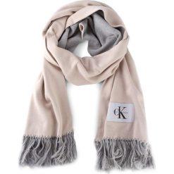 Szal CALVIN KLEIN JEANS - J Re-Issue Scarf K40K400135 506. Brązowe szaliki damskie marki Calvin Klein Jeans, z bawełny. Za 299,00 zł.