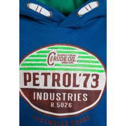 Petrol Industries HOODED Bluza z kapturem deep sea. Niebieskie bluzy chłopięce rozpinane marki Petrol Industries, z bawełny, z kapturem. W wyprzedaży za 152,10 zł.