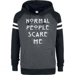 American Horror Story Normal People Scare Me Bluza z kapturem melanż czarny/szary. Czarne bluzy męskie rozpinane American Horror Story, l, melanż, z kapturem. Za 184,90 zł.