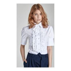 Koszula Victoria k02 biała z żabotem krótki rękaw. Białe koszule damskie marki NIFE, eleganckie. Za 71,00 zł.