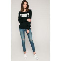 Tommy Hilfiger - Jeansy Como. Niebieskie jeansy damskie marki TOMMY HILFIGER, z bawełny. W wyprzedaży za 399,90 zł.