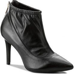 Botki BRONX - 75041-J BX 1245 Black 01. Czarne botki damskie na obcasie marki Bronx, z materiału. W wyprzedaży za 229,00 zł.