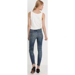 GStar LYNN MID SKINNY ANKLE Jeans Skinny Fit vintage medium aged destroy. Szare jeansy damskie relaxed fit marki G-Star, z bawełny. Za 609,00 zł.