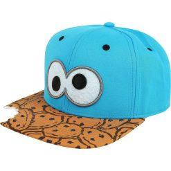 Ulica Sezamkowa Cookie Monster Czapka Snapback wielokolorowy. Niebieskie czapki z daszkiem damskie Ulica Sezamkowa, z aplikacjami, z tworzywa sztucznego. Za 79,90 zł.
