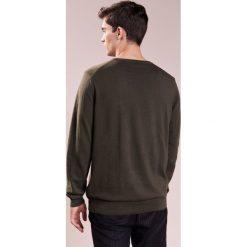 Swetry klasyczne męskie: BOSS CASUAL AKHUB Sweter dark green