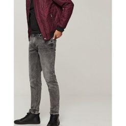 Jeansy slim fit - Szary. Szare jeansy męskie relaxed fit marki Reserved. Za 89,99 zł.