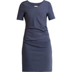 Kaffe INDIA V NECK Sukienka etui vintage blue. Niebieskie sukienki Kaffe, xs, z dżerseju, vintage. Za 379,00 zł.