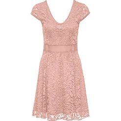 Sukienka z dżerseju z koronką bonprix stary jasnoróżowy. Czerwone sukienki hiszpanki bonprix, w koronkowe wzory, z dżerseju, retro. Za 129,99 zł.