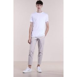 T-shirty męskie: Bruuns Bazaar GUSTAV Tshirt basic white